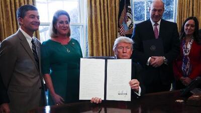 Un juez federal bloquea el veto migratorio de Donald Trump a nivel nacional