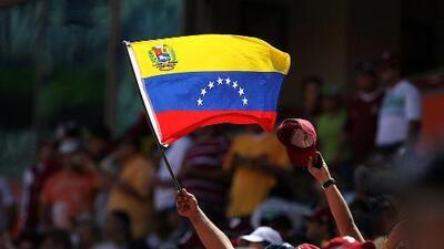 ¿Otorgarles o no estatus de refugiados a los venezolanos? Periodista analiza el censo migratorio en Ecuador