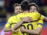 Borussia Dortmund triunfa en El Principado y avanza primero por encima del Atlético