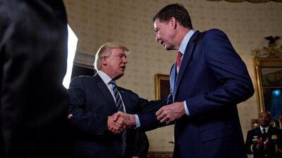 """James Comey, el despedido jefe del FBI, asegura que Trump exige lealtad """"como un jefe de la mafia"""""""