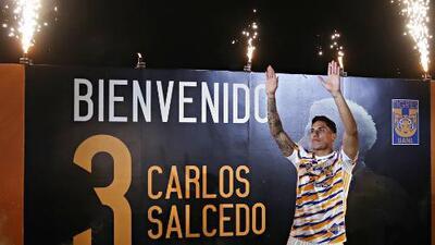 ¡Incomparable presentación! Carlos Salcedo hizo vibrar el Volcán