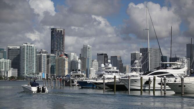 Bajas temperaturas y cielo parcialmente nublado para la mañana de este lunes en Miami