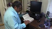 Pastor hispano que se refugiaba en santuario para evitar ser deportado se reúne con su familia