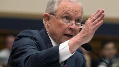 Jeff Sessions dice que no mintió sobre el 'Rusiagate', pero reconoce que había olvidado algunas cosas
