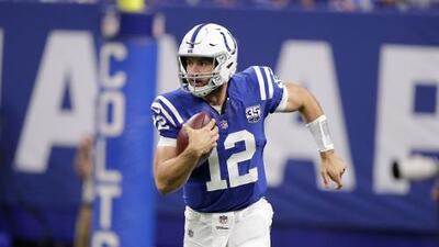 Andrew Luck se pierde práctica de Colts por lesión en el pie