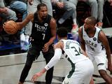 Kevin Durant encabeza paliza de Brooklyn Nets a Milwaukee Bucks para poner 2-0 la serie
