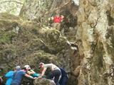 Tres excursionistas rescatados en helicóptero después de ser heridos por la caída de una roca en Table Mountain
