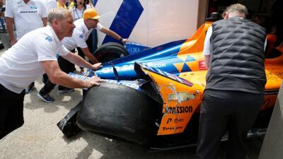 Fernando Alonso sufrió un fuerte choque en la segunda práctica de Indy 500