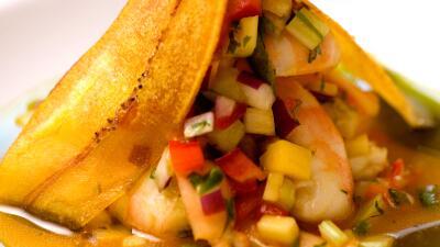 Cómo preparar ceviche de camarón con maracuyá