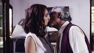 Manuel besó a Paola y esta fue la reacción de ella
