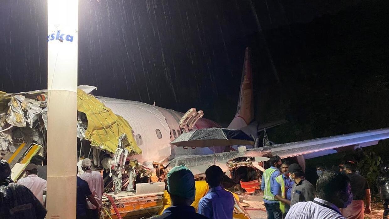 Al menos 15 muertos en accidente aéreo en India: el avión se ...
