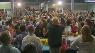 """Trump felicitó a autoridades porque murieron menos personas por el huracán María que en la """"catástrofe real"""" de Katrina"""