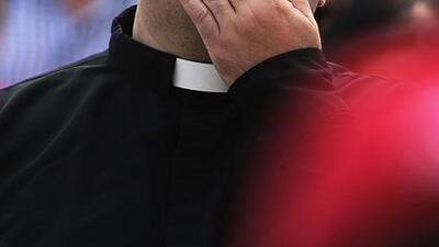 Con ácido sulfúrico, mujer rusa ataca a sacerdote en Nicaragua