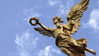 En video: El Ángel de la Independencia en Ciudad de México se tambaleó por el temblor