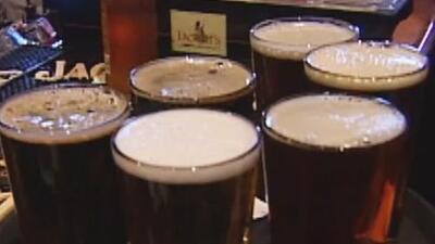 Beber más de un trago de alcohol diario reduciría la esperanza de vida, según estudio