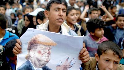 Trump, foco de la ira durante los funerales de los 40 niños muertos en un ataque aéreo saudita en Yemen