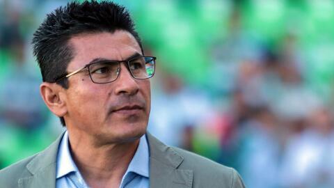DT de Santos se negó a hablar de la expulsión, resaltó la actitud de su equipo y explicó ausencia de Furch