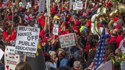 Diálogos entre el Distrito Escolar Unificado de Los Ángeles y maestros continúan en busca de una salida a la huelga