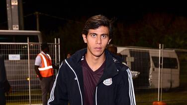 Macías reporta a pretemporada con Chivas