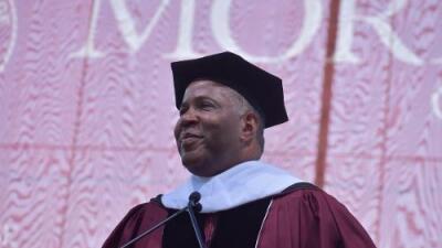 Un regalo de graduación de $40 millones: multimillonario pagará la deuda universitaria de una promoción entera en Atlanta