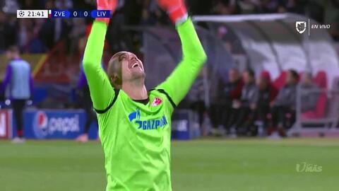 ¡GOOOL! Milan Pavkov anota para Crvena Zvezda