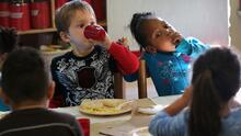 Gobierno de EEUU recomienda eliminar el azúcar en la alimentación de los niños menores de 2 años