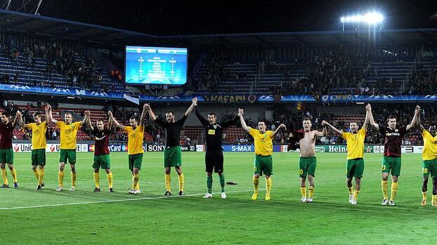 Club en Europa despide a 17 jugadores por parón del coronavirus