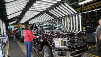 Pese a los ataques de Trump al Nafta, México vendió más automóviles a EEUU en 2018