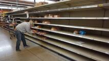 Poner comida sobre la mesa se ha convertido en un gran reto tras la tormenta invernal en Texas