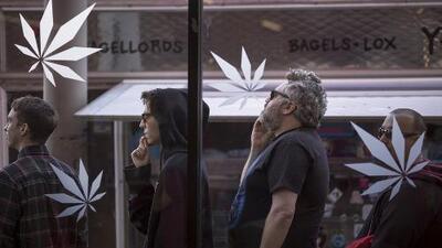 Petición para que permitan a los bodegueros de Nueva York vender marihuana genera opiniones divididas en la comunidad