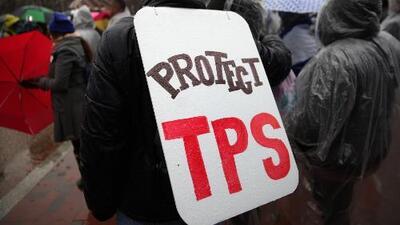"""""""Respiro con alivio y esperanza"""": salvadoreños residentes en EEUU sobre la extensión por un año del TPS"""