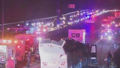Dramático accidente en carretera de Nueva York deja a 43 personas heridas
