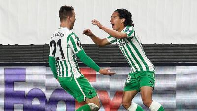 En fotos: Diego Lainez rescata al Betis de una derrota con gol ante el Rennes en la Europa League