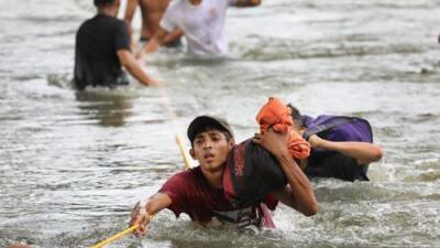 México detiene a 200 migrantes centroamericanos que cruzaron por su frontera sur