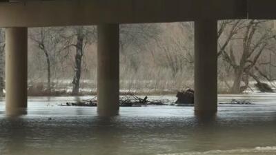 Mal tiempo causa congelamientos al oeste de Fort Worth y rescates e inundaciones por todo el Metroplex