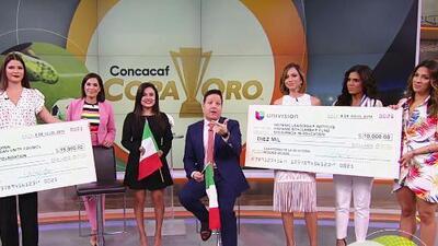 Karla y Ana Patricia celebraron el triunfo de México en la Copa Oro mostrando el cheque de la apuesta con propósito