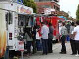 Autorizan a food trucks para funcionar en áreas de descanso en las autopistas de California debido el coronavirus