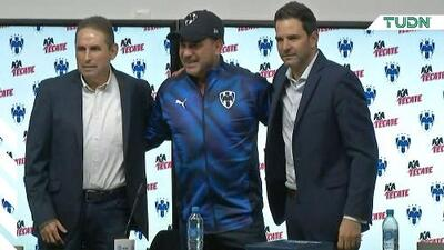 Rayados presenta a Antonio Mohamed