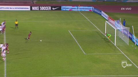 Belén Cruz se pierde el gol del triunfo para México desde el punto penal