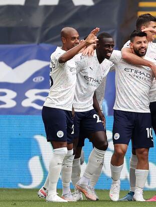Crystal Palace cayó en casa 0-2 frente al Manchester City, Brighton & Hove Albion despacho 2-0 a Leeds United y los Blues vencieron 2-0 al Fulham.