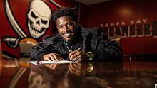 Buccaneers oficializa la renovación de Antonio Brown
