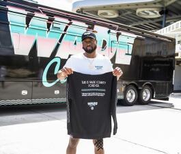 Estos son los tenis y la ropa alusiva al último juego de Dwyane Wade en Miami