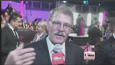 René Camacho en la alfombra magenta de Premio Lo Nuestro
