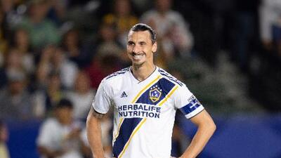 Premio sí, castigo no... Zlatan, nombrado Jugador de la Semana pese a agresión