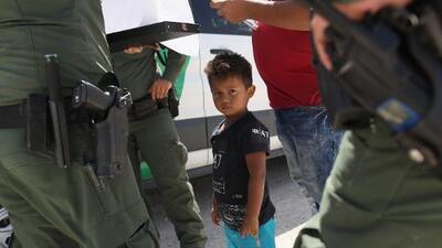 La barrera del idioma: urgen al gobierno respetar los derechos civiles de los migrantes en la frontera