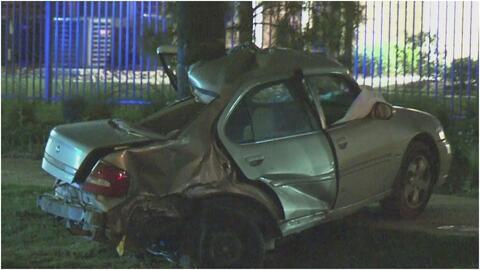 Un conductor pierde la vida al chocar contra un poste de madera a exceso de velocidad en Houston
