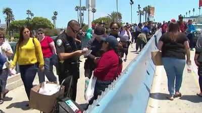 Es algo triste y no cuento con ese dinero: varios vendedores ambulantes son multados en el muelle de Santa Mónica