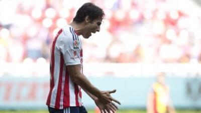 Aldo De Nigris dado de alta para jugar con las Chivas