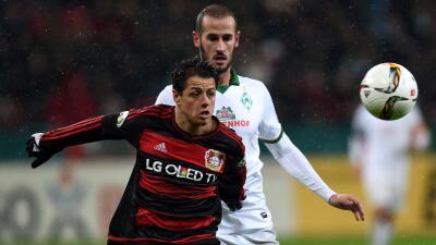 Bayer Leverkusen es eliminado de la Copa alemana con gol y lesión de 'Chicharito'