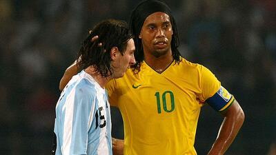 Ronaldinho: ''Si Messi se retira de la selección lo van a extrañar''